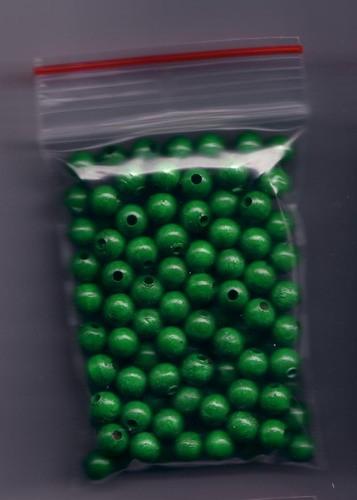 120 Stück Holzperlen 7mm grün Abpackung.