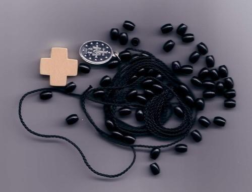 Set für einen Rosenkranz Farbe schwarz