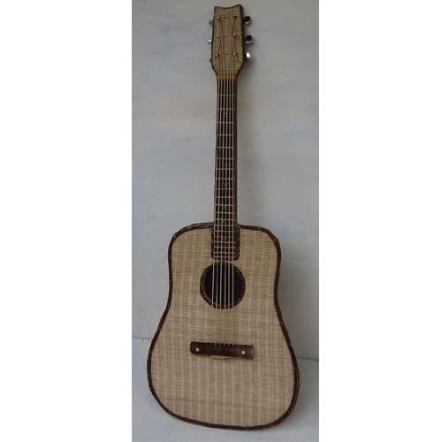 Geflochtene Deko-Gitarre