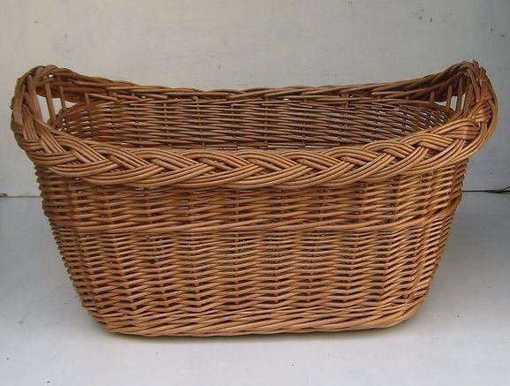Wäschekorb oval aus brauner Weide, mittel, Zopfrand u. großer Boden